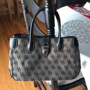 👜👜👜😍😍😍DOONEY & BURKE handbag